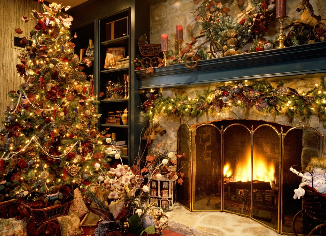 Christmas decorations animated indoor uk - Christmas Tree Fireplace