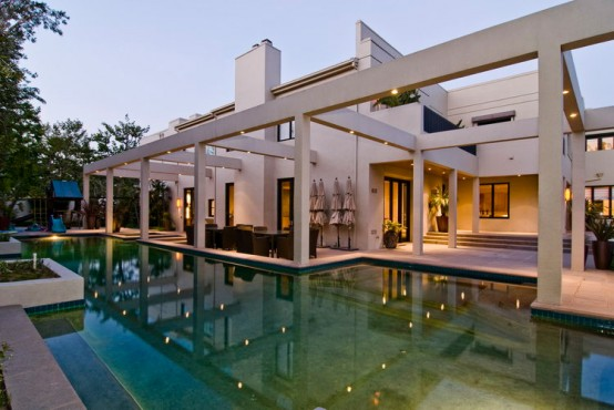 House-Design-with-Asia-Inspiration-Swimming-Pool-Photo